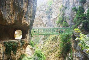 puente ruta del cares
